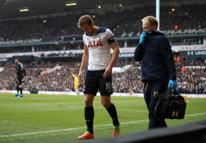 Tottenham Hotspur's Harry Kane leaves the field with an ankle injury during the Emirates FA Cup, Quarter Final match at White Hart Lane, London.